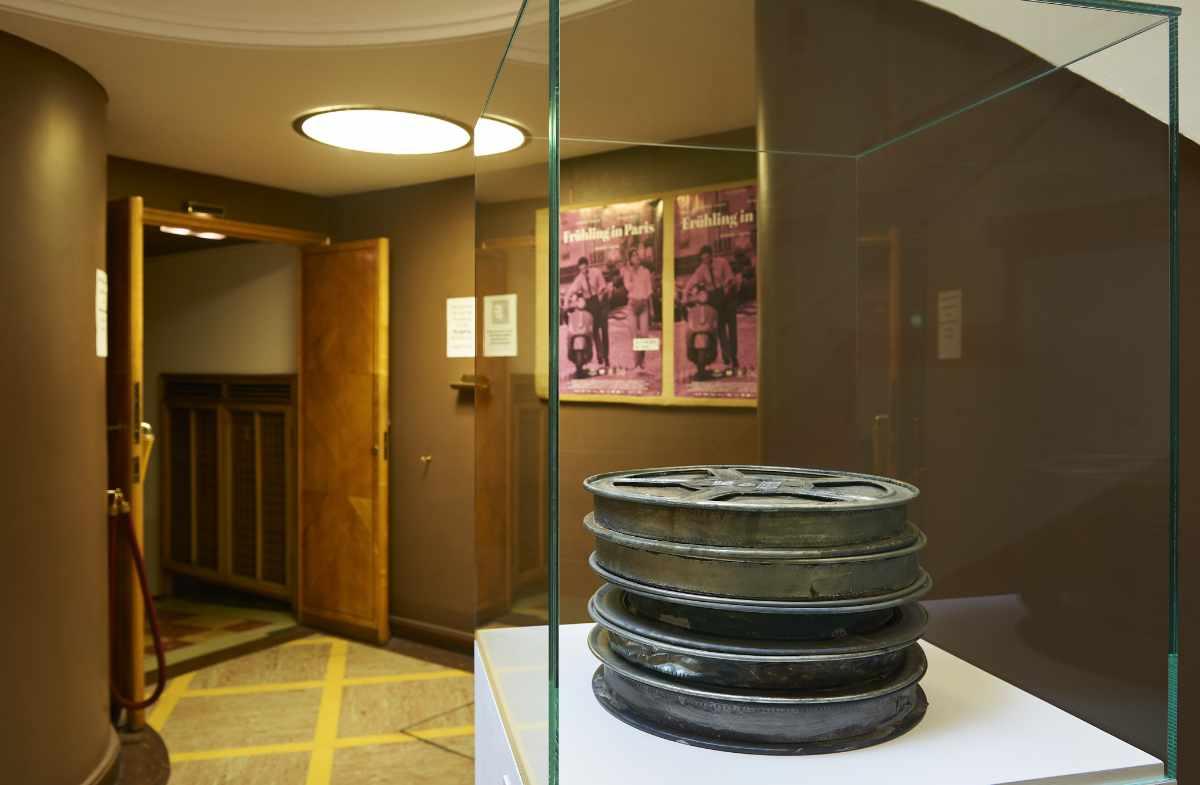 Die Pinakothek der Moderne München widmet sich dem 100. Geburtstag von Jpseph Beys.