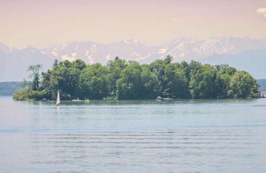 Die Roseninsel im Starnberger See